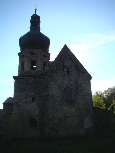 klášter Pivoň