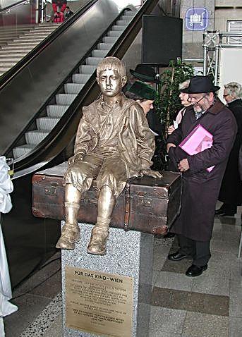 Kindertransport memorial na nádraží ve Vídni