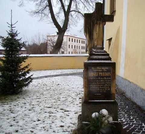 hrob P. Josefa Parduse v Kameničkách
