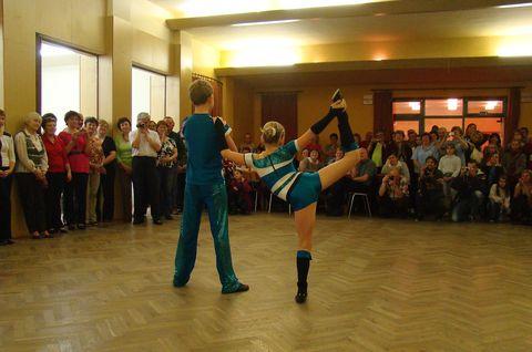 rokenroloví tanečníci z klubu Elvis