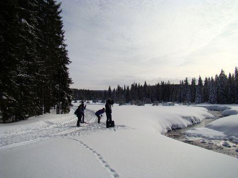 každý z lyžařů se pokoušel zachytit kousek okolní nádhery objektivem