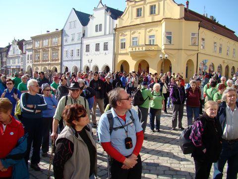 pelhřimovské Masarykovo náměstí se zaplnilo asi osmi stovkami lidí