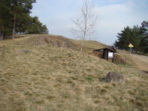 vrch Kobylinec z cesty od Trnavy