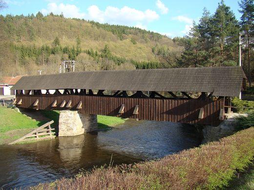 most u Černvíru