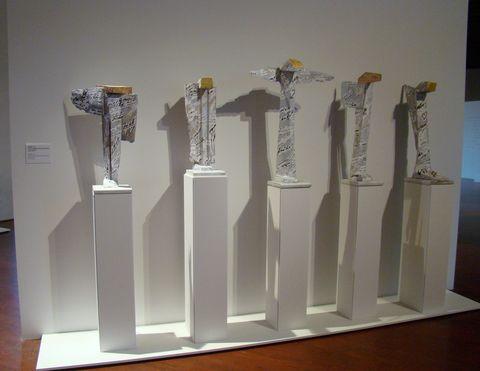 Anděl I.-V., 2010 (spolupráce: Sonia Jakuschewa), malované dřevo