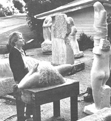 Anna se svými sochami