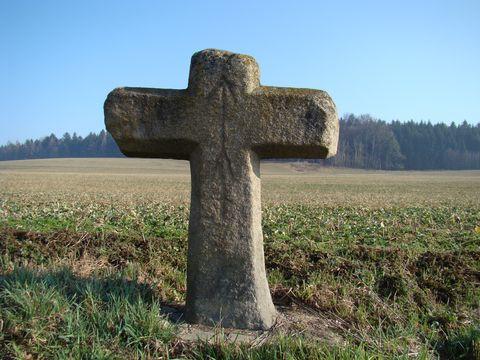 kamenný kříľ u Bílého Kamene