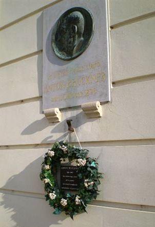 pamětní deska Antonu Brucknerovi