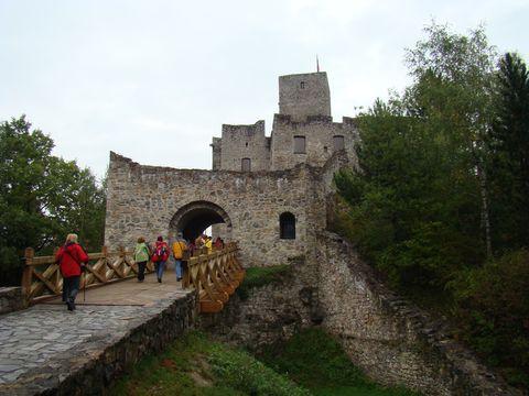vchod do hradu Strečno
