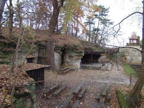 přírodní amfiteátr u obce Třebíz