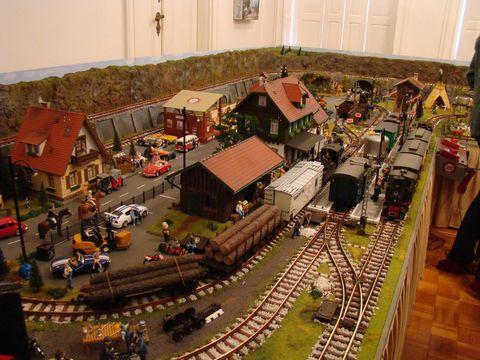 v muzeu modelové zeleznice