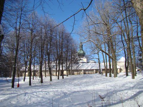 pohled na poutní areál na Křemesníku