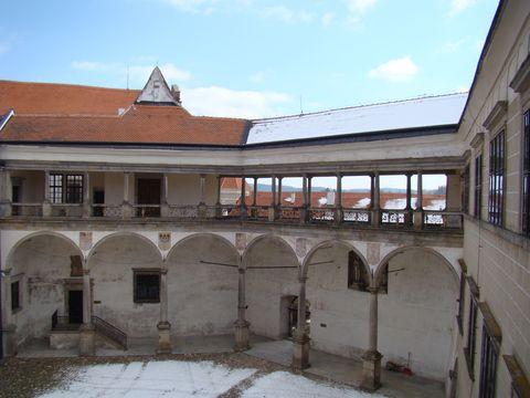 propojení zámeckých budov