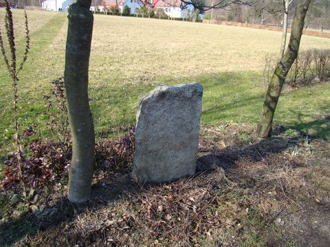 kámen v Hutích