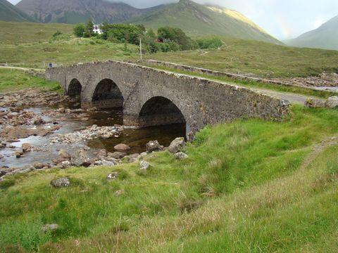 most přes řeku Sligachan