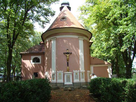 hřbitov majitelů zámku Police