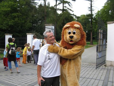 lev demonstruje svoji sílu