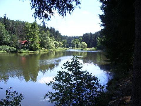 chaty u přehrady Vřesník