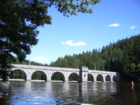 hráz Sedlické přehrady