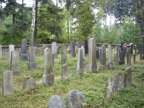 opravený zidovský hřbitov