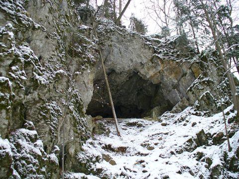 jeskyně v Pustém ľlebu