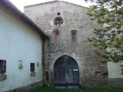 zbytky cisterciáckého klástera v Klásteře 2