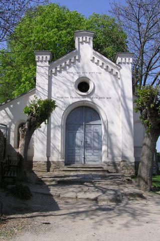 vstup na zidovský hřbitov v Úsově