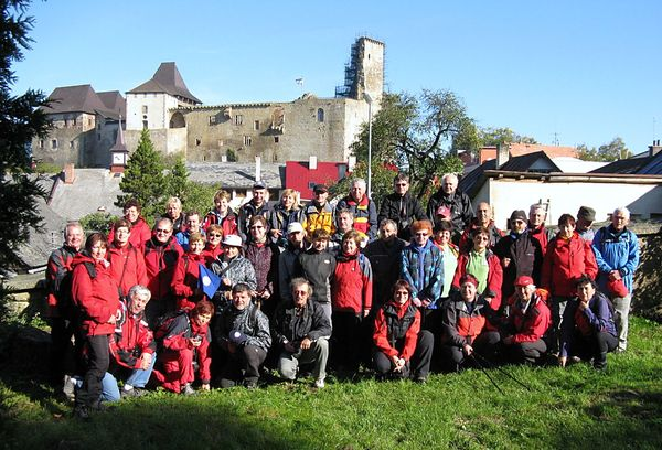 účastníci semináře vedoucích a cvičitelů turistiky ve Světlé nad Sázavou