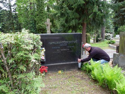 hrob zakladatele KČT Čeřínek Františka Srdínka