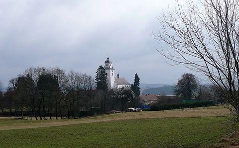 na svah netínského kopce Strážnice přišlo jaro