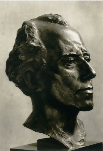 busta GM vytvořená Augustem Rodinem v roce 1909