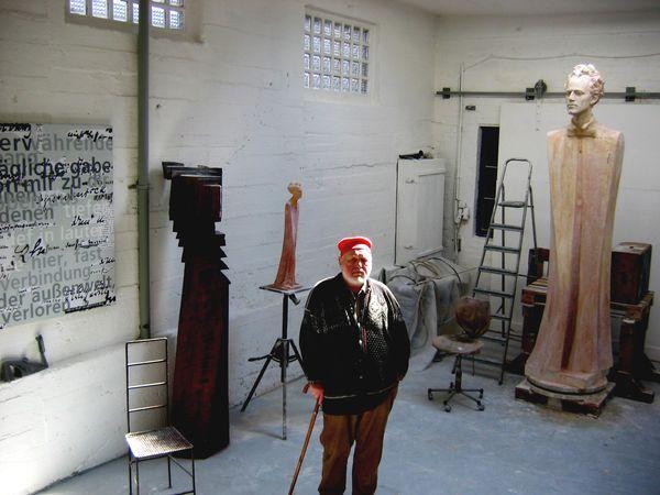 Mistra Koblasu vyfotila Sonja Jakushewa v jeho ateliéru