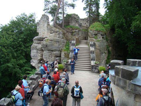 Valdstejn v Českém ráji – stejné řesení daných přírodních podmínek