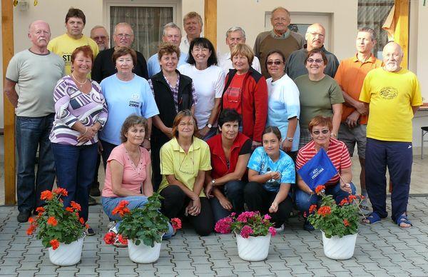 účastníci cykloturistického zájezdu ve Valticích 2011