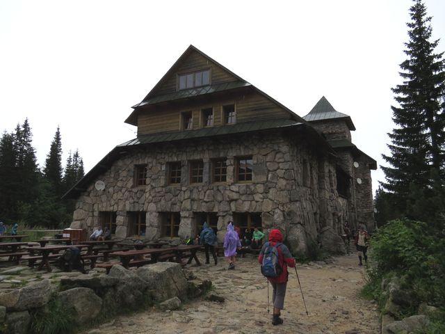 chata Murowaniec v dešti