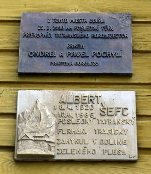 pamětní desky na Brnčálově chatě