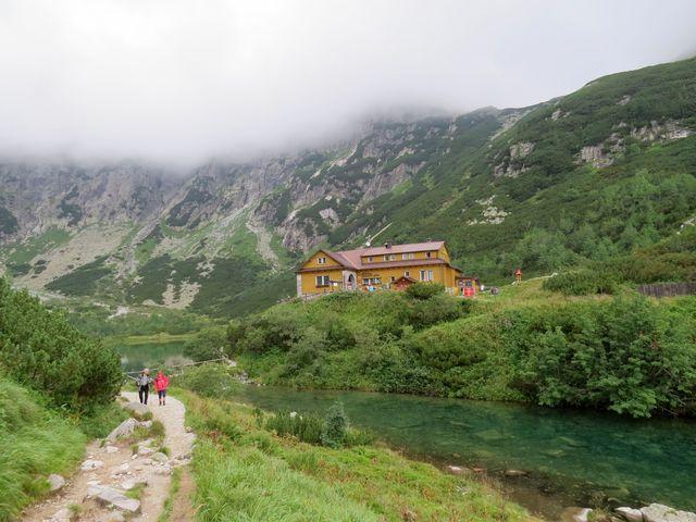 dolinou Zeleného plesa po žluté turistické značce