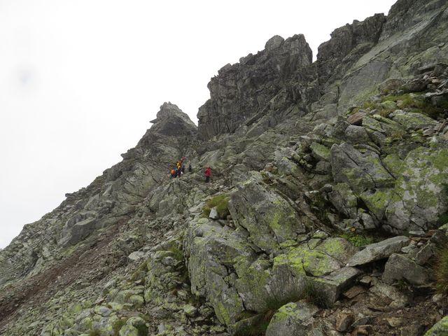 přechod do Furkotské doliny přes Bystrou lávku je zajištěný řetězy