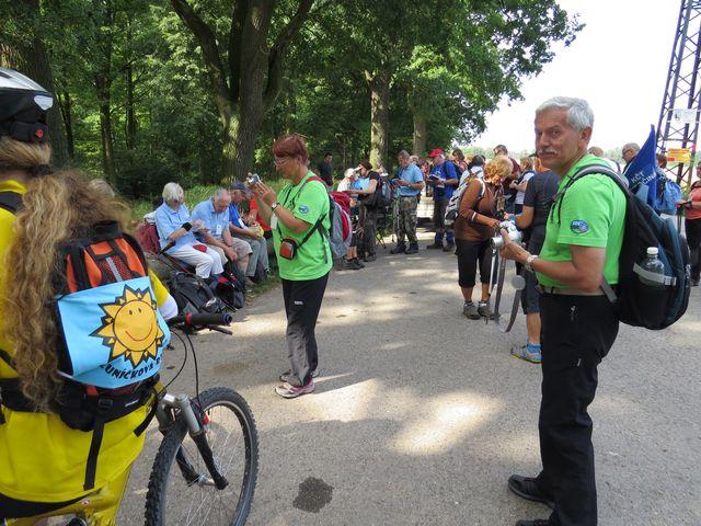 společenská část turistického pochodu