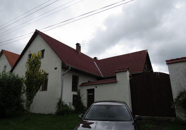dům, kde léta bydlel Jiří Hanzelka