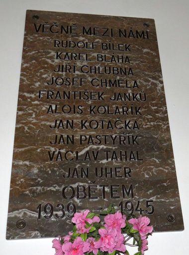 pamětní deska obětem z válečných let
