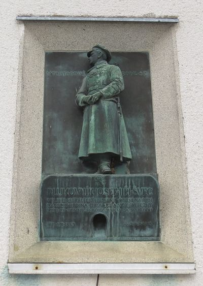 deska na rodném domě plukovníka Josefa Jiřího Švece