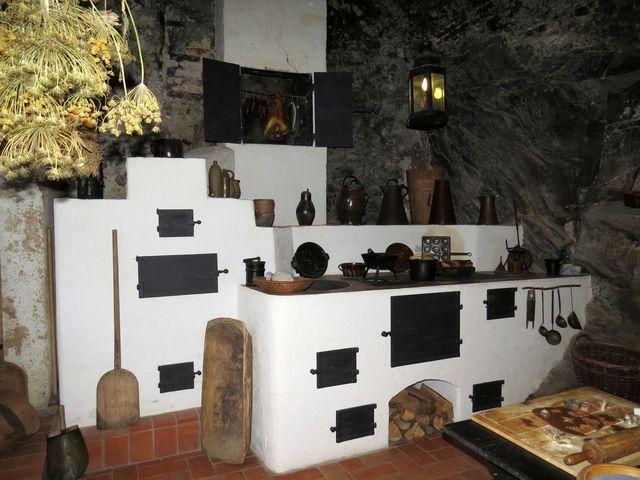hradní kuchyně voněla koprem