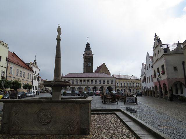 slavonické náměstí po dešti; www.svatosi.cz