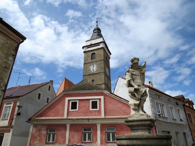 socha Floriána, ochránce proti ohni, byla původně barevná