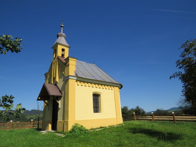 kaple sv. Anny na vrchu nad Brumovem