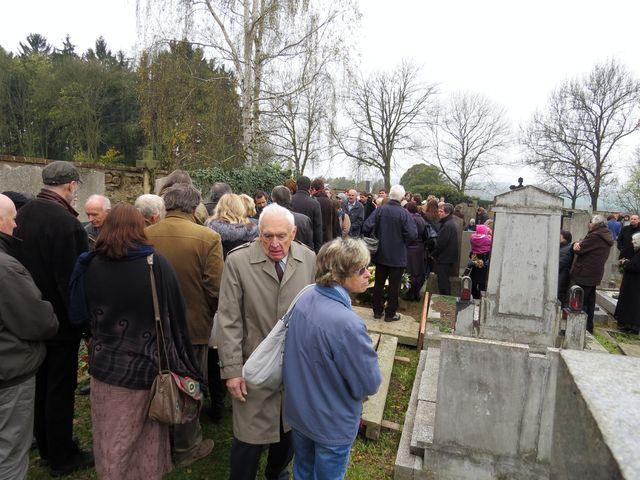 na pohřbu Jiřího bylo stejně jako na Danielově množství lidí
