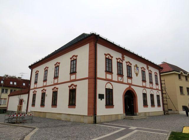 stará radnice ve Žďáře slouží k reprezentačním účelům