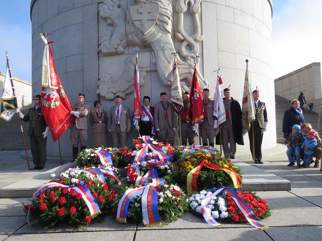 Sokolové u hrobu neznámého vojína na Vítkově