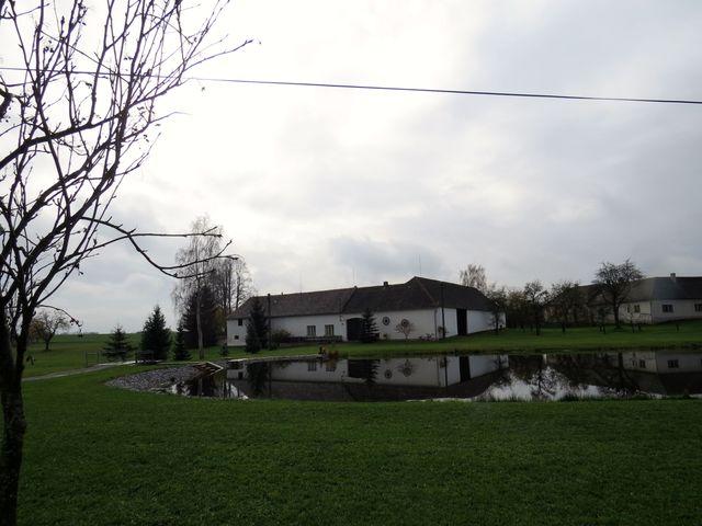 Volevčice - první písemná zmínka o obci pochází z roku 1366, žije tu 52 obyvatel